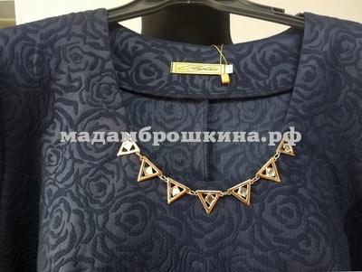 Платье Классика (фото, текстура ткани и украшение)